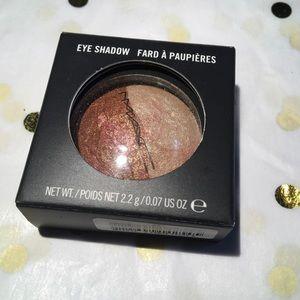 Mac Eyeshadow 'Engaging,'